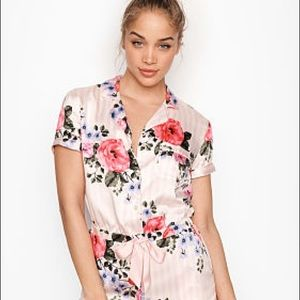 New Victoria's Secret T-shirt satin pajama top